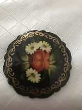 VINTAGE HAND PAINTED  RUSSIAN BLACK LACQUER FLORAL BROOCH PIN