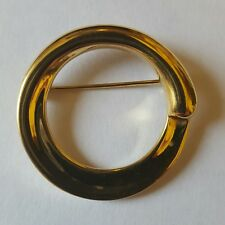 brooch signed by Monet A beautiful gold tone