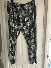 Ladies Black White Tapered Leg Trousers In Stretchy Material Size L