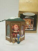 1995 Coming To See Santa Hallmark Keep Sake Ornament Light Motion Voice