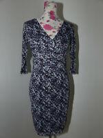 Neues Esprit Chiffon Kleid mit Unterkleid Gr XS Lila/Weiß Retro Muster 3/4 Arm