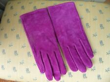 DENTS, SUEDE GLOVES, BRAND NEW, SMALL/MEDIUM, FUCHIA PINK, IDEAL GIFT.