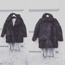 Cheap monday curl veste en fourrure synthétique moelleux manteau d'hiver, uk 6, urban outfitters