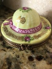 Limoges France Marque Deposee Peint Main Yellow Hat Trinket Box W/ Rabbit Inside