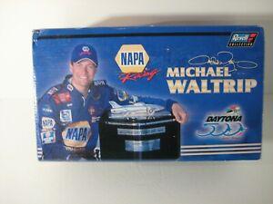 2001 NASCAR Revell Michael Waltrip #15 NAPA Daytona 500 Race Win 1:24 Car Bank