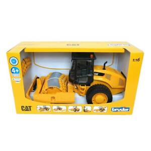 Bruder 1/16 CAT Vibratory Soil Compactor with Leveling Blade 02451