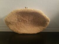 Vintage Magid Hand Beaded Creamy/ Gold  Kisslock Clutch Purse Made in Japan