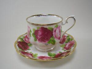 Royal Albert OLD ENGLISH ROSE Kaffeetasse Untertasse cup saucer Rosenmuster
