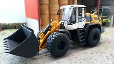 WIKING 1:32 SCALE LIEBHERR L556 WHEELED LOADER WITH ATTACHMENTS