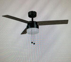 NEW HAMPTON BAY Montgomery II 44 in. Indoor Oil Rubbed Bronze Ceiling Fan w/LITE
