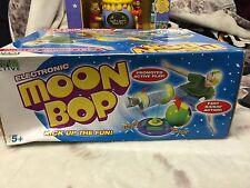 Electronic Luna Bop kick up la diversión