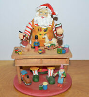 SANTA'S WORKSHOP MUSICAL CHRISTMAS DECORATION RESIN & WOOD