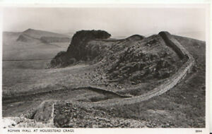 Northumberland Postcard - Roman Wall at Housestead Crags - TZ6343