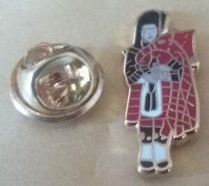 scottish piper lapel badge bag pipes scotland tartan glasgow edinburgh ayr