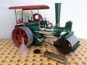 """Vintage Green Wilesco D365 """"Old Smokey"""" Steam Roller. in As New Condition."""