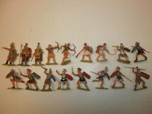 1. Convolute 17 Old Elastolin Plastic Figures Rummer To 1 5/8in