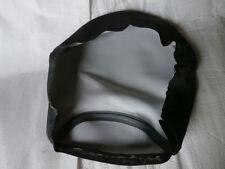 Selles et sièges noirs pour motocyclette