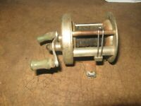 VINTAGE GREAT LAKES PRODUCTS LEFT HAND FISHING REEL