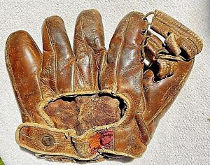 Vintage Rawlings baseball glove circa 1940s