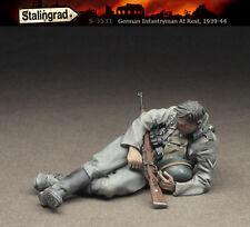 STALINGRAD MINIATURES,1:35, German Infantryman At Rest #1 1939-44, S-3531