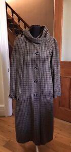 Aquascutum Reversible Long Coat Size 14 Tweed Houndstooth Wool & Cream Raincoat