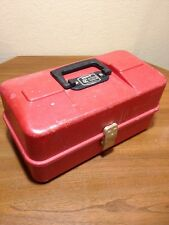 VINTAGE UMCO MODEL 1133P RED FISHING TACKLE BOX - WATERTOWN MINNESOTA / MN