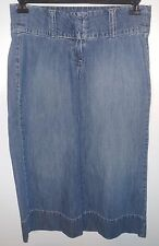 EUC Old Navy Wide Waist/Hip Band Capri Jeans Size 4
