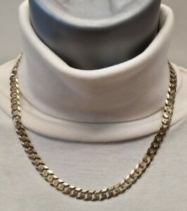Heavy 9ct Gold curb chain well hallmarked  ,solid chain Nearly 1 oz