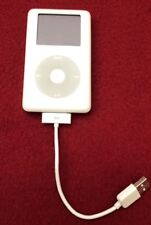 APPLE iPod 4th Gen White 20 GB FOR PARTS ONLY