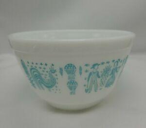 Vintage Pyrex Amish butterprint  mixing bowl 401 blue 1 1/2 pint