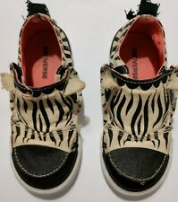 New listing Converse All Star Toddler Girl's Zebra Print Tennis Shoes Unique Adorable 9