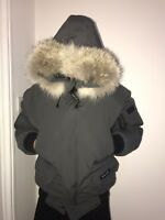 Genuine Canada Goose Chilliwack Bomber Jacket Fur Hood Size M Mens