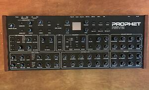 Dave Smith Instruments Prophet Rev2 8-voice Desktop Analogue Synthesizer