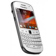 NEW BLACKBERRY BOLD 9900 - 8GB - WHITE (UNLOCKED) SMARTPHONE + GIFTS