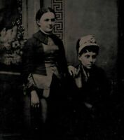 OLD VINTAGE ANTIQUE TINTYPE PHOTO TWO YOUNG LADIES GIRL FRIENDS GIRLFRIENDS