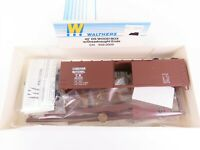 HO Scale Walthers Kit 932-2009 CN Canadian National 40' Wood Box Car #461010