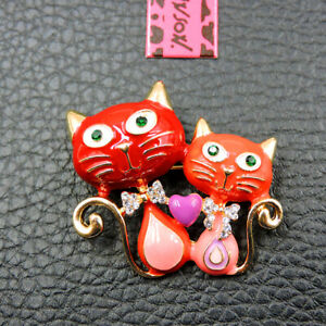 Betsey Johnson Red Enamel Rhinestone Cute Bow Cat Charm Brooch Pin Gift