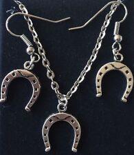 HORSESHOE NECKLACE & EARRING SET BN LOVELY GIFT BARG HORSE LOVERS