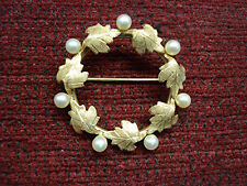 """14K YELLOW GOLD WITH PEARLS LEAFY  """"CIRCLE"""" PIN - NICE"""