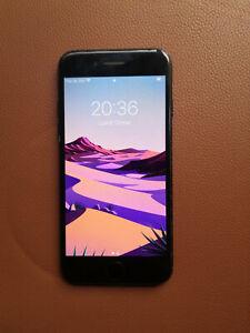 Apple iPhone 7 - 128 Go - Noir de Jais (Désimlocké)