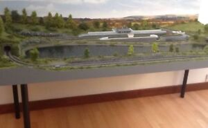 "N Gauge Exhibition Standard Model Railway Layout With Lake 6 Foot x 30"""