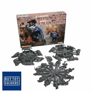 Mounted Musketeers of the King of France - Red Box - RB72146