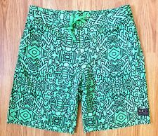NWT Under Armour Heatgear Men's Swim Trunk Loose fit Green Boardshorts Size 34