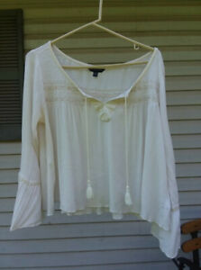 American Eagle Outfitters L long bell sleeve peasant viscose
