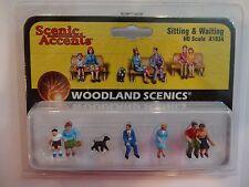 Woodland Scenics Ho #1834-1 - Sitting & Waiting