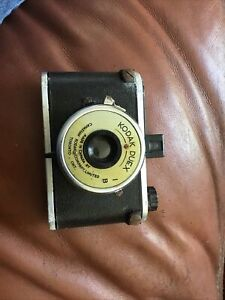 Kodak Duex, bakelite and metal 120 camera, no case