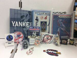 Huge Vintage New York Yankee Collectors Lot Magnets,patches,books Rare Mlb