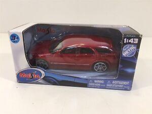 2005 Dodge Magnum R/T Metallic Red 1:43 Maisto NIB