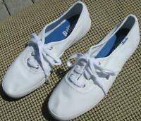 NWOB Keds low tops all white athletic style canvas shoes women's size 5.5.