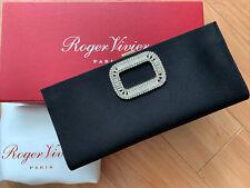 Auth RV Roger Vivier peregrino Hebilla de Cristal Negro Satinado Seda Clutch Bag De Noche